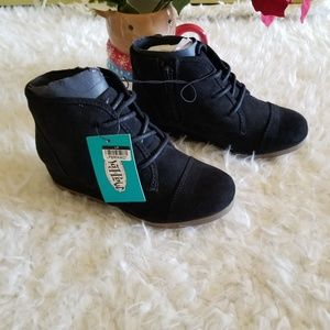 Girls Shelby Wedge Lace Up Boots